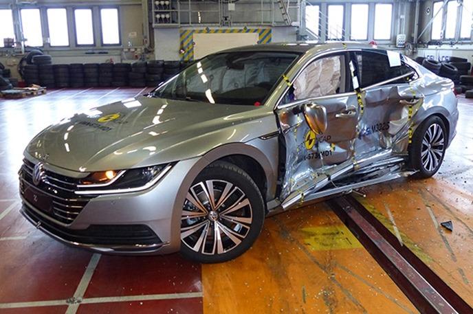 Euro NCAP 2017年度各級距最佳安全車款,你的車有上榜嗎?! vw_arteon_2017_%E5%81%B4%E6%92%9E