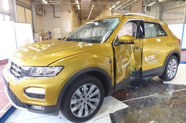 Euro NCAP 2017年度各級距最佳安全車款,你的車有上榜嗎?! vw_t_roc_2017_%E7%AB%8B%E6%9F%B1%E5%81%B4%E6%92%9E