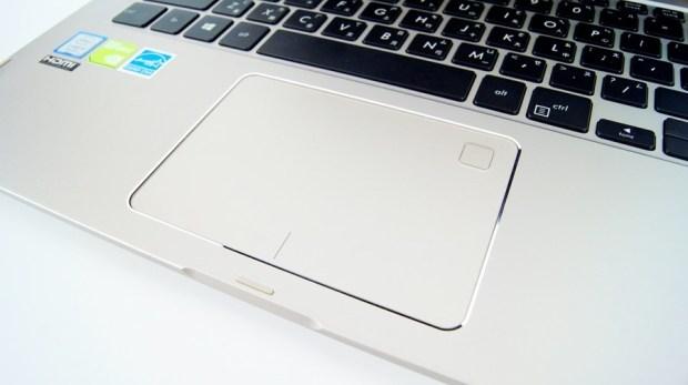 13 小時超長續航!ASUS ZenBook Flip 14 360° 翻轉筆電 評測 (UX461) DSC7679