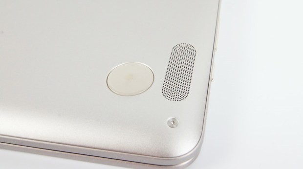 13 小時超長續航!ASUS ZenBook Flip 14 360° 翻轉筆電 評測 (UX461) DSC7712