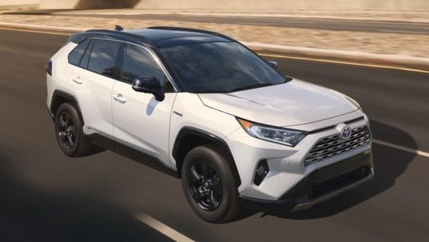 新一代 Toyota RAV4 真面目亮相,CRV 與 CX-5 要小心了 2019-toyota-rav4-20-1