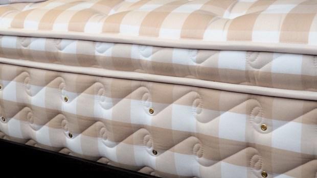 [床墊推薦] 德瑞克頂級馬毛床墊,再翻都不會吵醒枕邊人 B222416