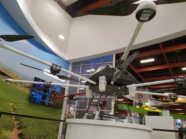 工研院研發超大型無人機,載重達 30 公斤可應用於救災、運送物資與農藥噴灑等多領域 20180605_144559