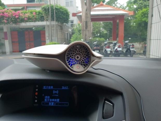 開箱/BRISE M1 車用空氣清淨機:8分鐘快速過車上異味、髒空氣 20180626_163545