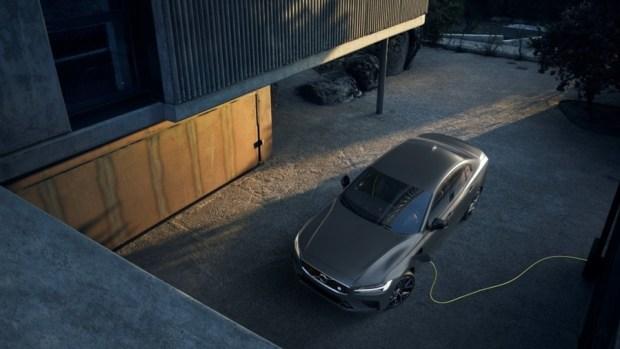 全新第三代 Volvo S60 正式發表,只有汽油與油電混合動力選項 230814-new-volvo-s60-polestar-engineered-exterior-1