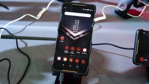 [ROG Phone直擊試玩] 專為電競而生的智慧手機 6054181