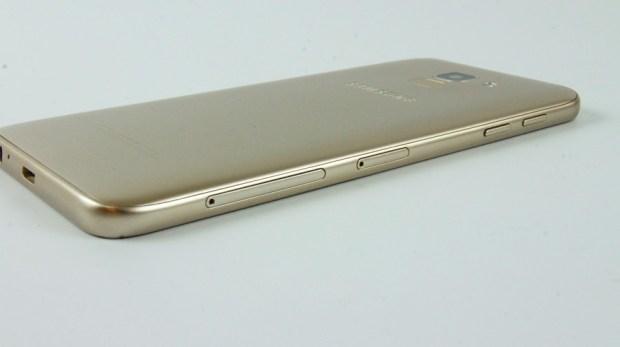 八千不到即可擁有,玩美自拍、超大全螢幕、高 CP 值的 Samsung Galaxy J6 DSC0400