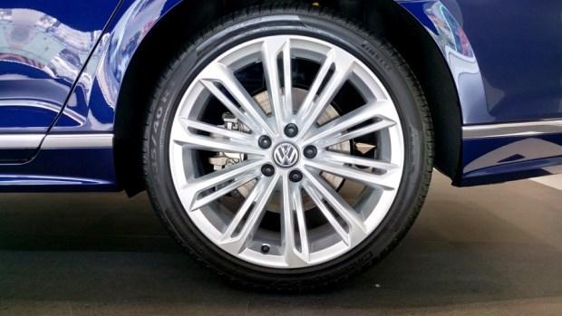熱血爸爸別亂試,試了就回不去了,VW Passat Variant 380 TSI R-Line Performace IMAG1121