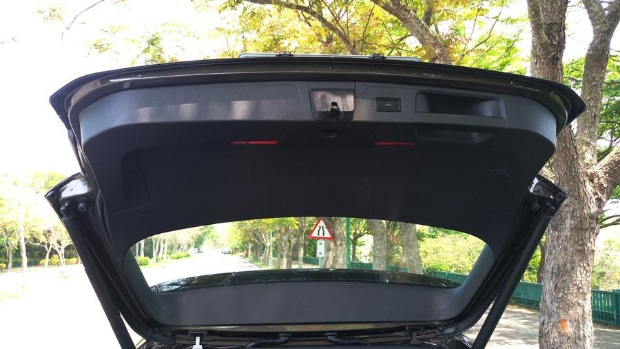 熱血爸爸別亂試,試了就回不去了,VW Passat Variant 380 TSI R-Line Performace IMAG1170