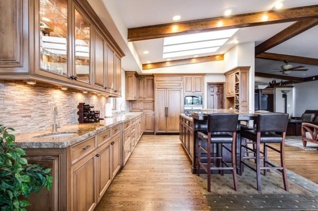木製家具藏致癌甲醛,室溫超過30度急速釋出 kitchen-2400367_1280