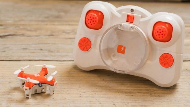 又一款超小空拍機上市,內建超高飛行技術你想買嗎? skeye-pico-drone-27-640x360