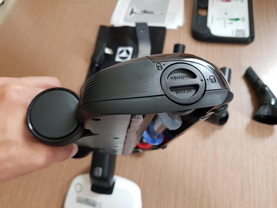 評測:Electrolux 伊萊克斯 PURE F9 滑移百變吸塵器,重新詮釋手持無線吸塵器 20180801_145524