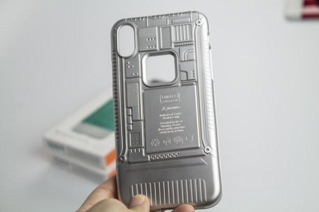 復刻 iMac G3!Spigen iPhone 手機殼重現賈伯斯設計魂 IMG_8845-900x600