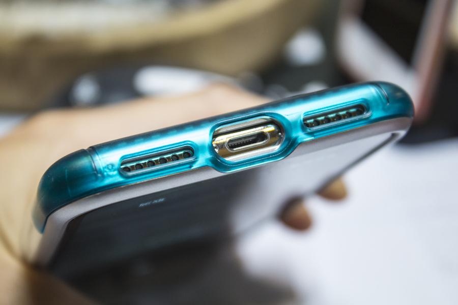 復刻 iMac G3!Spigen iPhone 手機殼重現賈伯斯設計魂 IMG_8861-900x600