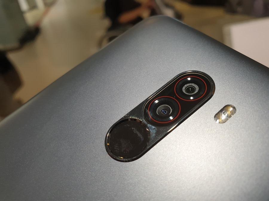 11,000 元就可以買到旗艦手機,POCOPHONE F1 用不到一半的預算輕鬆入手! 20180914_143119