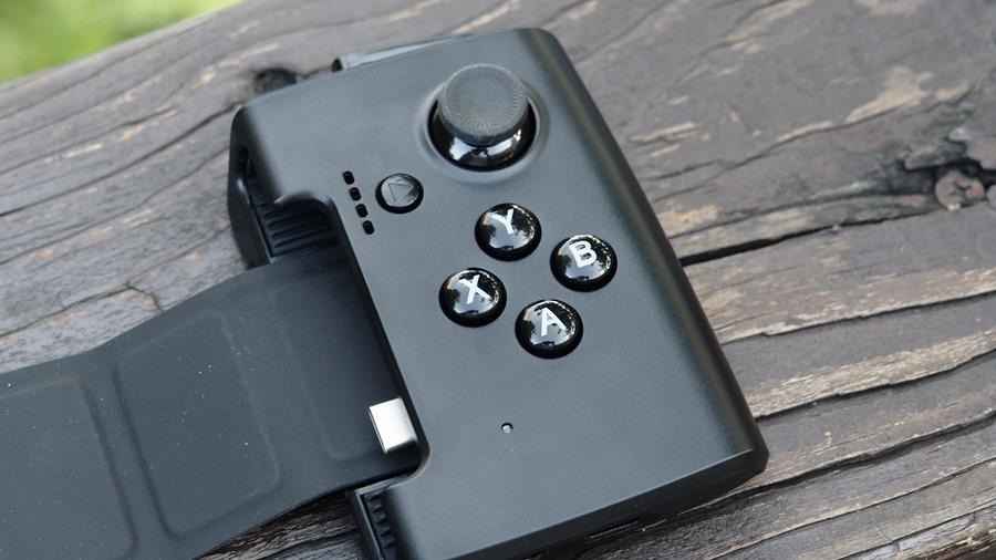 ROG Phone 周邊:GameVice 遊戲控制器+WiGig 無線投影基座,實現你在大螢幕打電動的夢想! 9305397