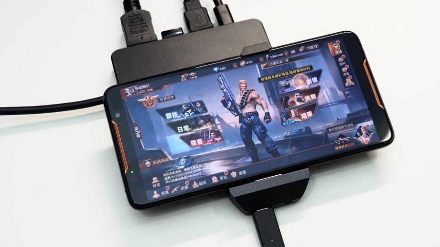 ROG Phone 周邊:GameVice 遊戲控制器+WiGig 無線投影基座,實現你在大螢幕打電動的夢想! 9305455