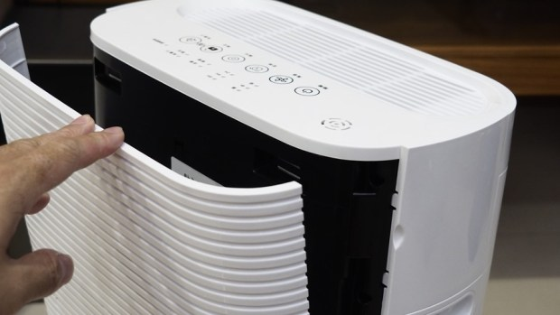 評測/Haier AP225 (小H) 高速卻不吵雜,適合房間擺設的空氣清淨機 C045864