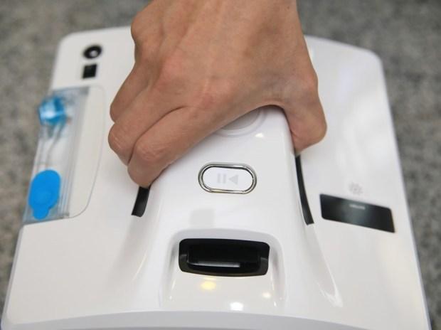 歲末大掃除讓HOBOT-298玻妞擦窗機器人幫忙,讓玻璃輕鬆恢復光亮 batch_IMG_9018