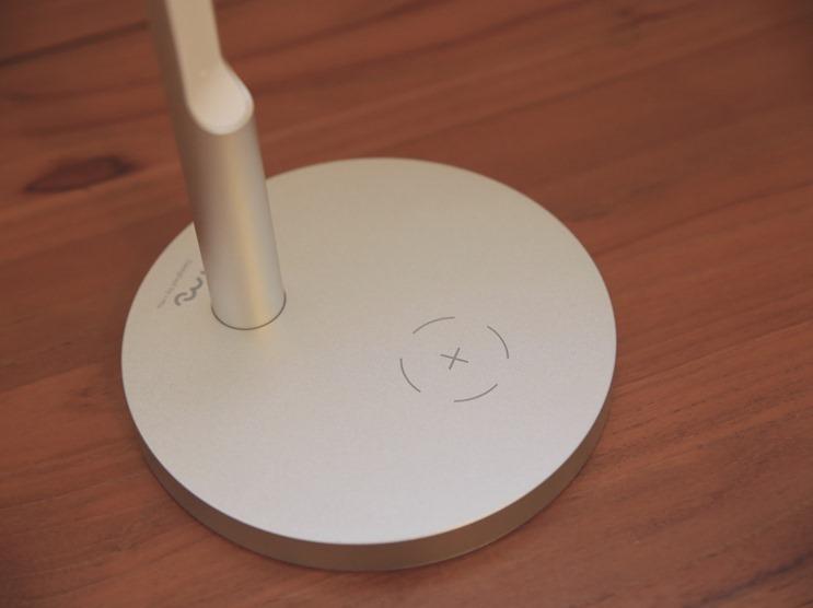 小L 2代無線充電護眼燈開箱,零藍光不傷眼,亮度色溫都可自由調整 image003