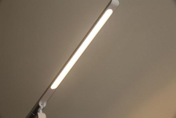 小L 2代無線充電護眼燈開箱,零藍光不傷眼,亮度色溫都可自由調整 image015
