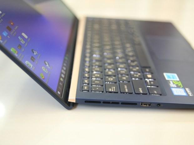 美‧力無邊ASUS ZenBook 15 UX533FD 開箱,全球最小15.6 吋筆電,電池續航力長達 16 小時! IMG_9196-1