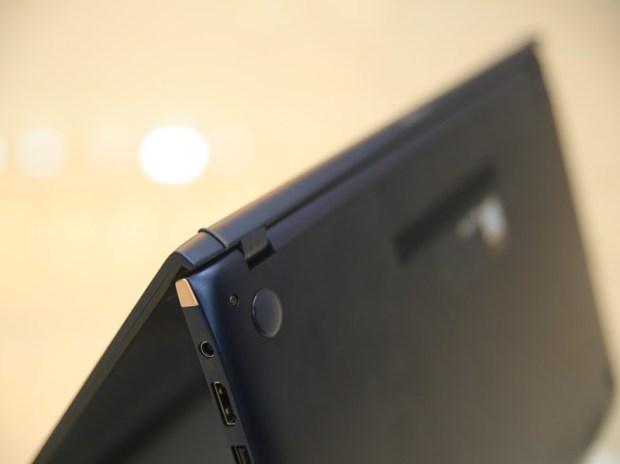美‧力無邊ASUS ZenBook 15 UX533FD 開箱,全球最小15.6 吋筆電,電池續航力長達 16 小時! IMG_9214