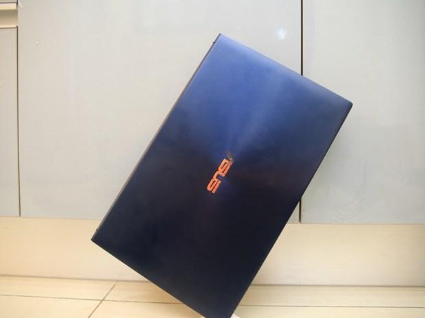 美‧力無邊ASUS ZenBook 15 UX533FD 開箱,全球最小15.6 吋筆電,電池續航力長達 16 小時! IMG_9234
