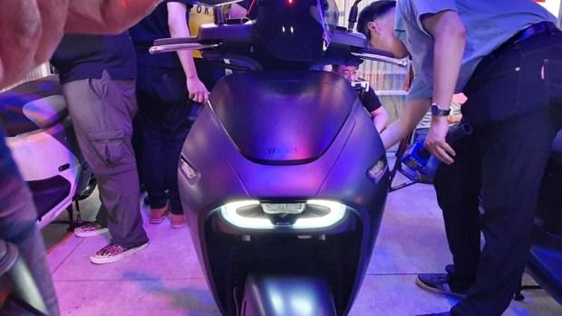 YAMAHA、Gogoro 合作首款電動機車 EC-05 亮相!售價 99,800 元可領補助 20190627_154000