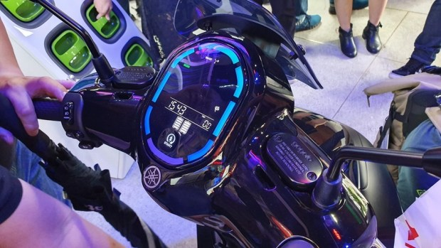 YAMAHA、Gogoro 合作首款電動機車 EC-05 亮相!售價 99,800 元可領補助 20190627_154327