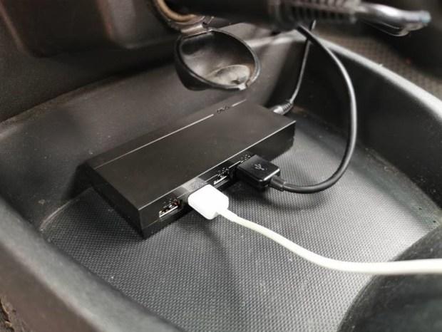 AIFA 車用4埠急速充電器開箱,10A大電流4台一起充,支援筆電接頭車外使用 clip_image014