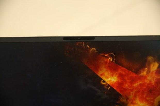 ASUS ZenBook 15(UX534)開箱評測,智慧觸控板真的太好用啦!美.力 無界 IMG_9837