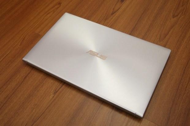 ASUS ZenBook 15(UX534)開箱評測,智慧觸控板真的太好用啦!美.力 無界 image003