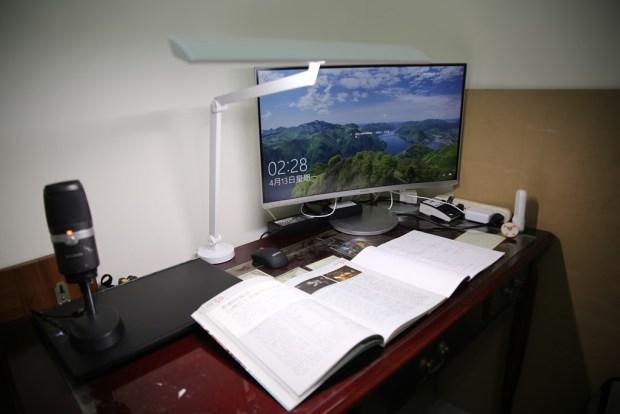 「Artso 亞梭傢俬LED雙臂優閱燈」好開箱,不佔空間、大範圍照射、可調色溫、桌面百搭設計! IMG_0012
