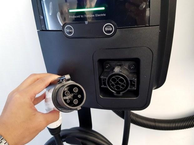 [試駕] 讓人合不攏嘴的賓士首款電動車 Mercedes-Benz EQC 400 4MATIC 運動版 20200502_100203