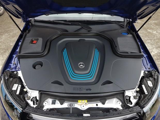 [試駕] 讓人合不攏嘴的賓士首款電動車 Mercedes-Benz EQC 400 4MATIC 運動版 20200502_133711
