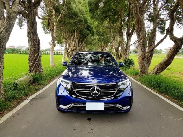 [試駕] 讓人合不攏嘴的賓士首款電動車 Mercedes-Benz EQC 400 4MATIC 運動版 20200502_153910_1