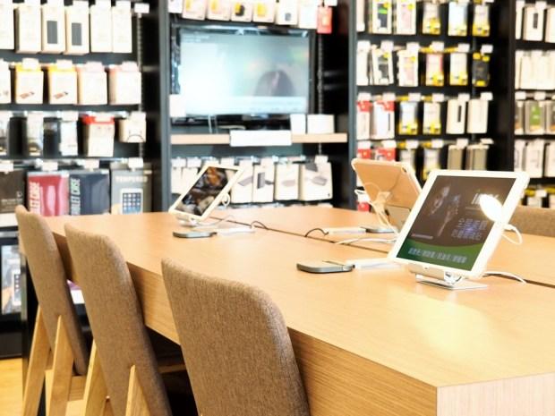 【神腦國際開箱】超舒服的 Apple 手機快修服務,還有星巴克等級的休息區! 9040418