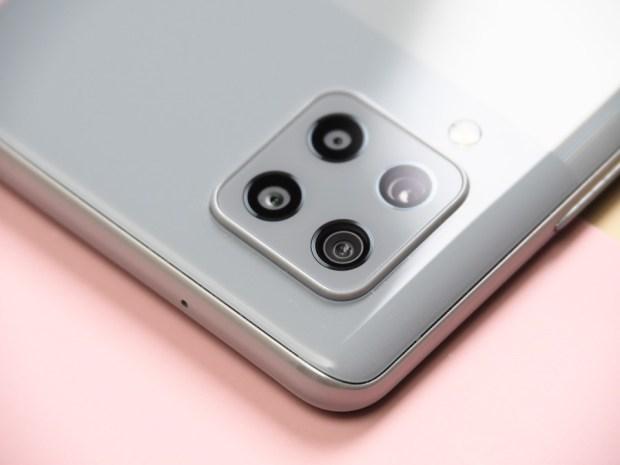 [評測]三星最好入手的平價 5G 手機來了!Galaxy A42 5G 搭載4+1鏡頭、5000mAh超大電量讓你爽用一整天 B190904