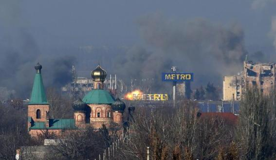Worst east Ukraine shelling for month; ceasefire looks in doubt