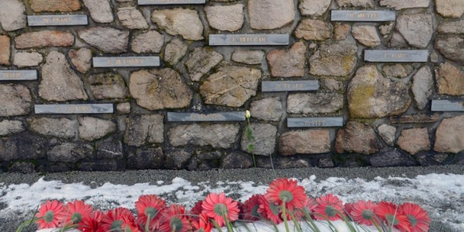 Flowers, apologies mark commemoration of 70th anniversary of Malmedy massacre