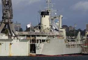 Australia Gives Philippines Two Naval Landing Craft