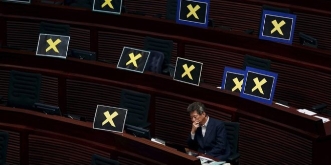 Hong Kong Presents Plan for Elections, Offering Little to Democrats