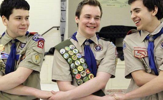 Boy Scout president calls for end to ban on gay leaders