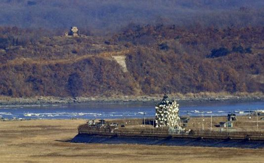 Rival Koreas exchange artillery fire
