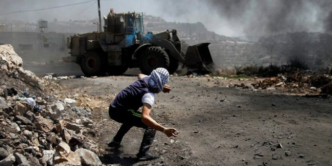 Israel Considers Ammunition to Counter Palestinian Stone Throwers – The New York Times