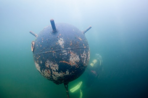 After 16 Years, U.S. Navy's Underwater Mine-Hunting Drone Still Falls Short – Bloomberg Business