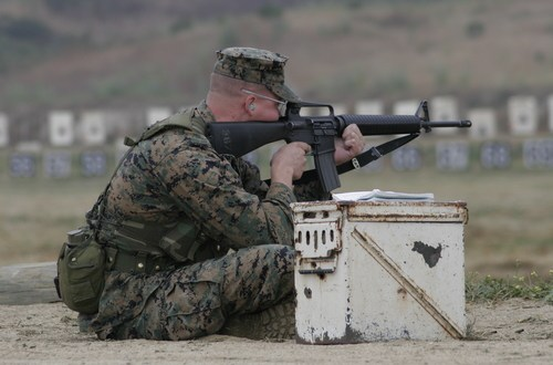 Commandant approves M4 as standard weapon for Marine infantry