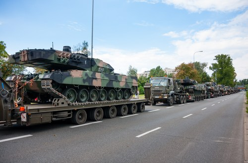 Poland receives final Leopard 2A5 MBTs from Germany | IHS Jane's 360