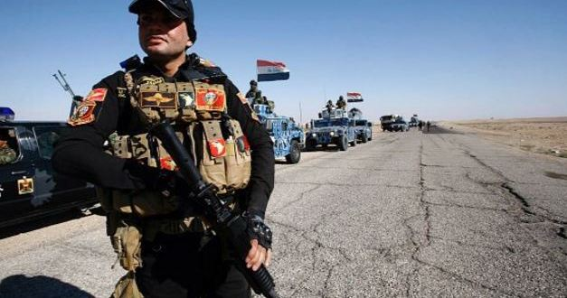 Iraqi special forces screen Mosul men in hunt for suicide bombers | Reuters